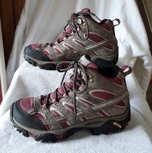 Merrell hiking shoes😀😀😀